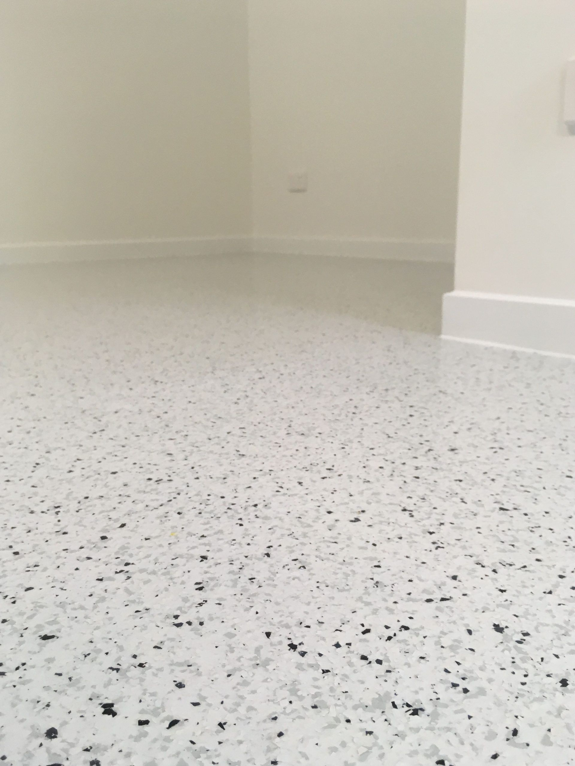 A Beautiful Flake Epoxy Flooring Installation In A Living Area Of A New Build At Area Beautiful Build In 2020 Epoxy Floor Epoxy Floor Basement Floor Installation