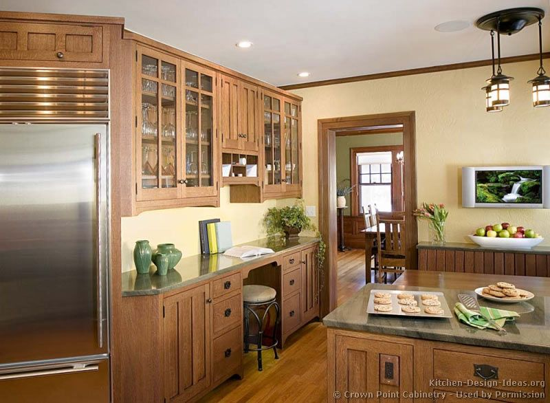 Craftsman Kitchen© Crown Point Cabinetry (crown-point.com ...