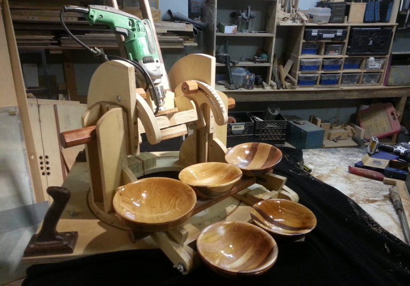 Making A Wooden Bowl Without A Lathe Wooden Bowls Wooden Plates Wooden