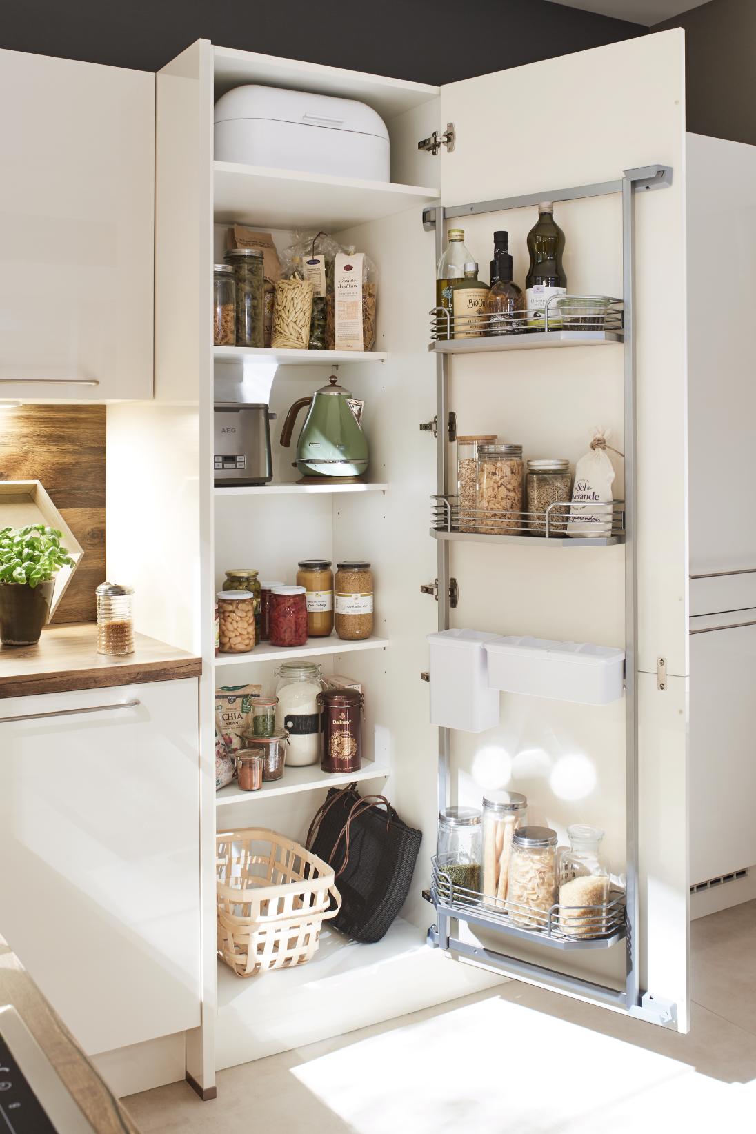 Cuisine Roda U Cuisinemoderne Interiordesign Deco Cuisine Blanc Cuisine Moderne Cuisine Blanche Et Bois Maison