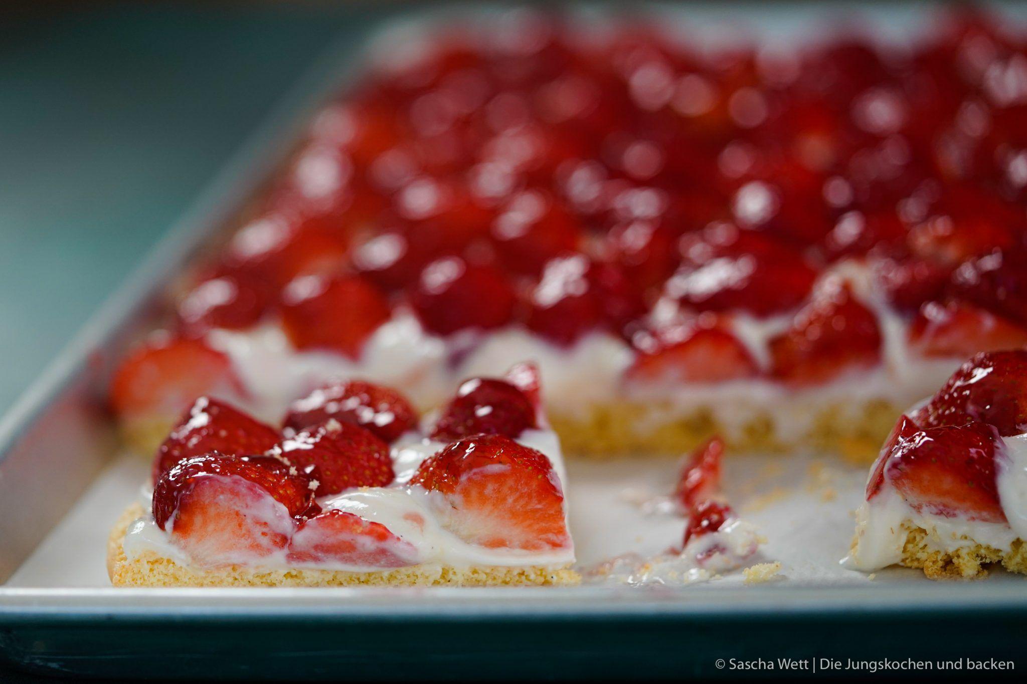 Erdbeerkuchen Vom Blech Rezept Foodblog Aus Koln Rezept Erdbeerkuchen Erdbeerkuchen Blech Kuchen
