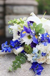 DIY Blue and White Bouquet