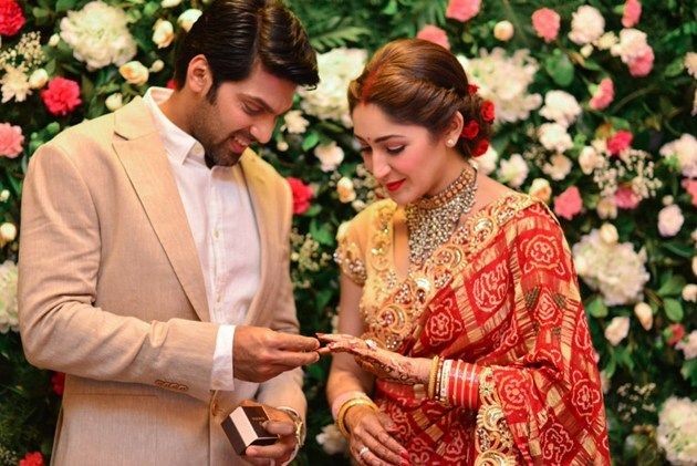 Cracking Chemistry Between Newly Wed Star Couple Telugunow Com Indian Wedding Couple Photography Wedding Fairytale Wedding