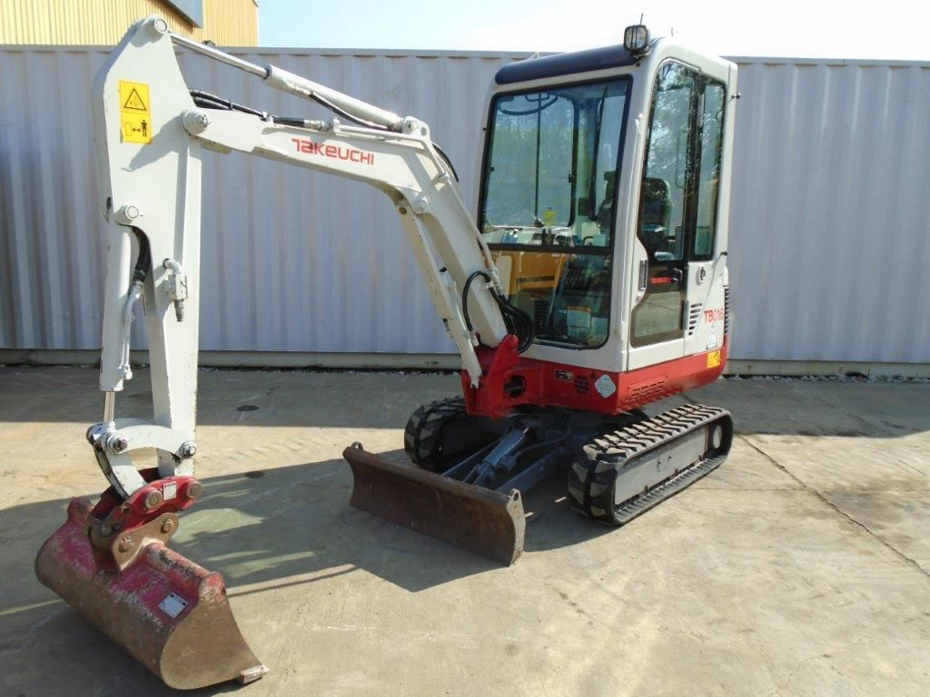 2012 Takeuchi Tb016 Mini Digger Excavator C W 3 Buckets Amp Hitch Full Cab Mint Ebay