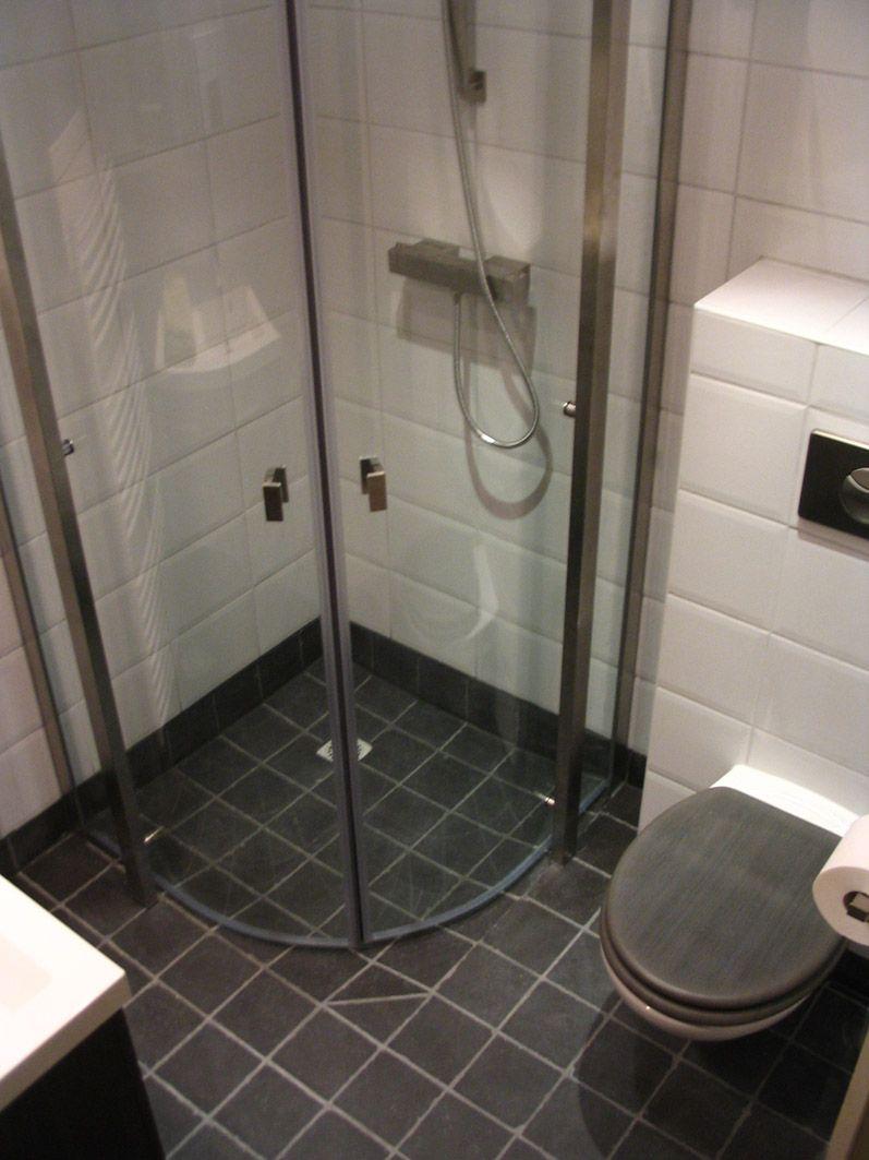 kleine badkamer met douche en toilet - Google zoeken | Banyo ...