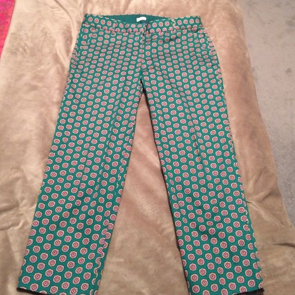 Pattern J.crew pants EUC, unfortunately just too big for me. They are great for work and really comfortable. Received many compliments when wearing them. J. Crew Pants Trousers