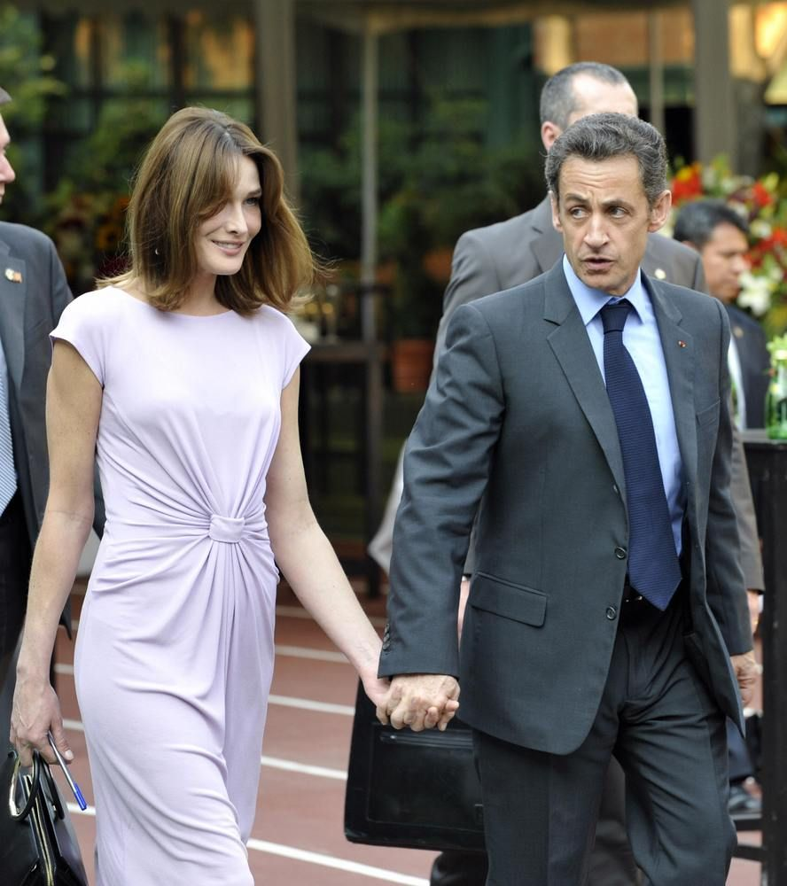 Au revoir carla bruni a look back at the french first lady s style and an introduction to new first lady val rie trierweiler carla bruni