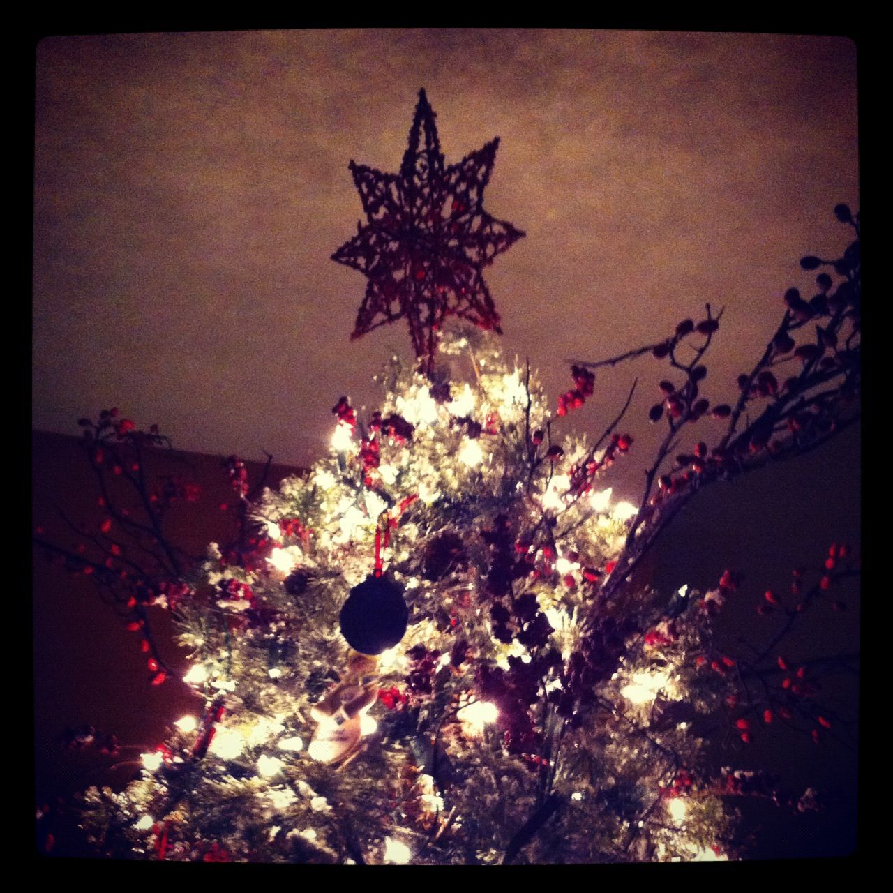 Tree Topper Staying Put Thanks To Zip Ties No More Droopy Stars Tree Toppers Christmas Tree Tree