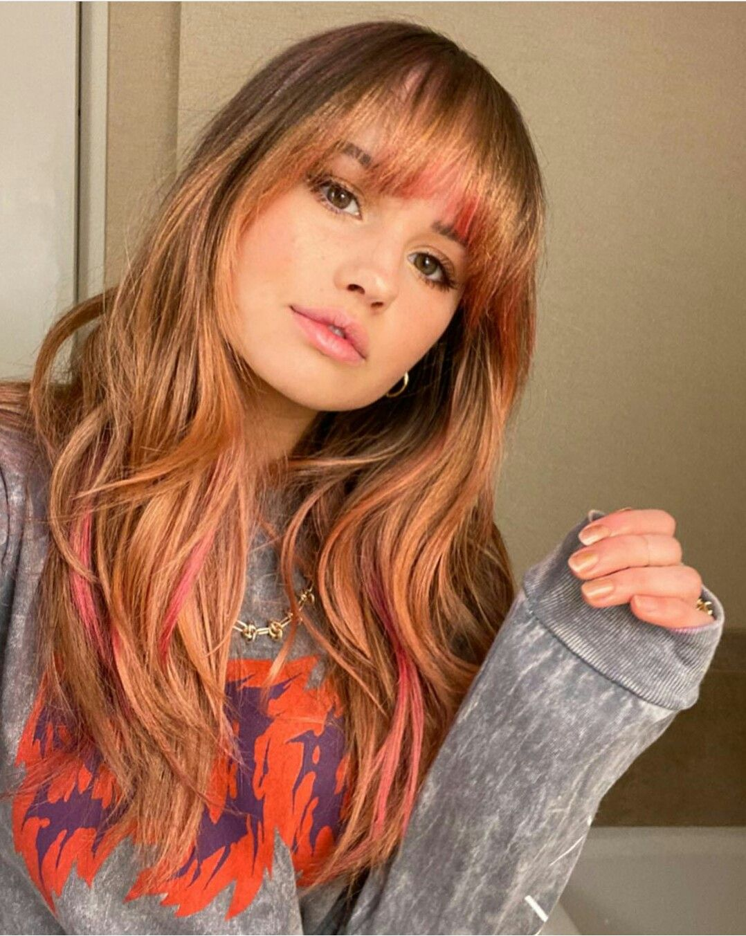 Pin By Maria Jose On Debby Ryan In 2020 How To Style Bangs Debby Ryan Silvery Blonde Hair