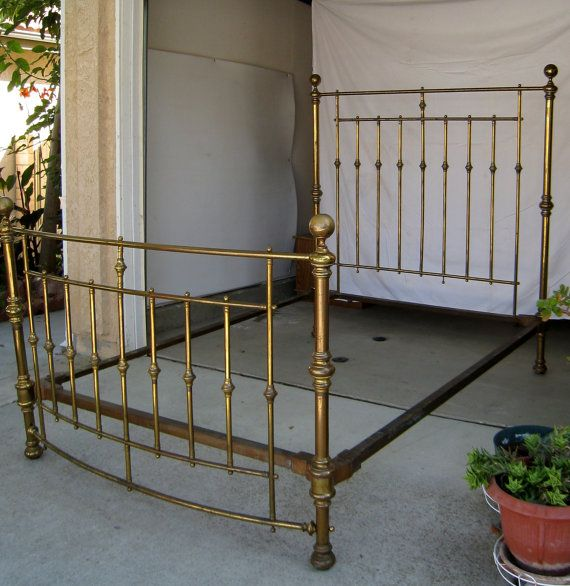Antique Brass Bed Full Size With Cast Iron By Robinstreasurechest 750 00 With Images Brass Bed Brass Bedroom Brass Bed Frame