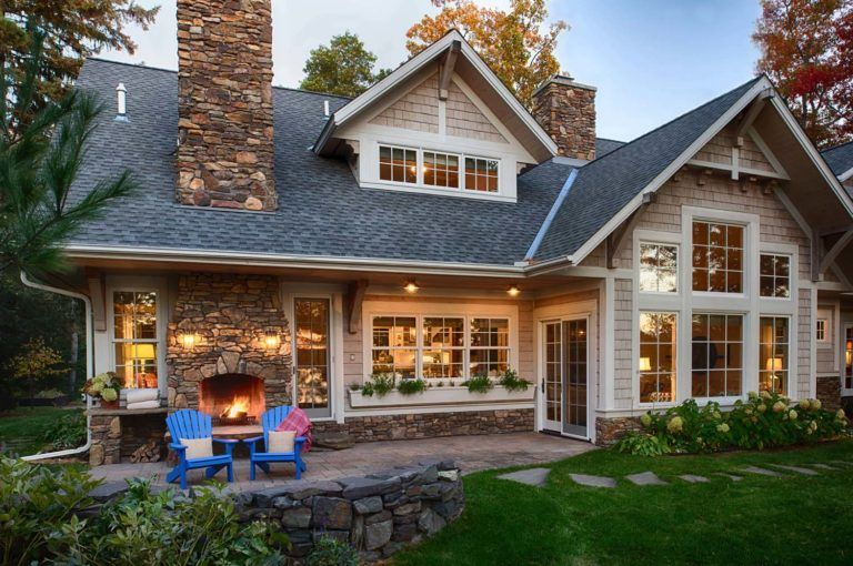 A warm and inviting beach style lake house in Minnesota #beachcottagestyle