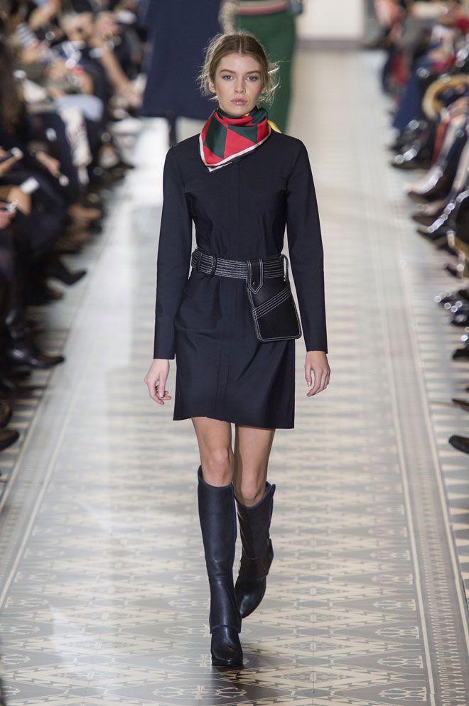 Mükemmel Çifti Bulun: Mini Elbise ve İpek Eşarp