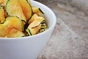 .Rezept: Leichte Zucchini-Parmesan-Chips > Kleine Zeitung