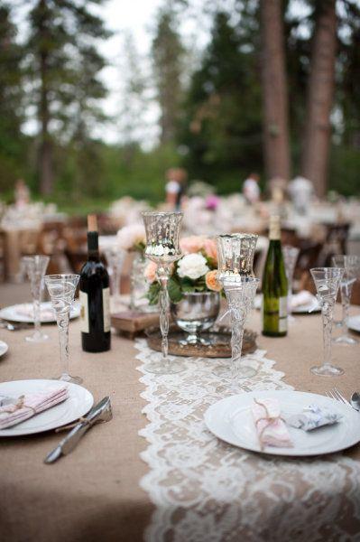 chemin de table mariage dentelle idee deco de table dentelle blanche ecru ivoire d coration. Black Bedroom Furniture Sets. Home Design Ideas