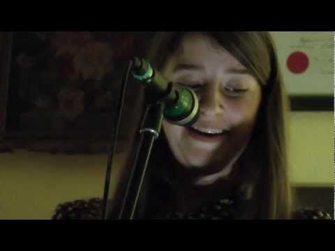 Leonie Evans - 'I'll See You In My Dreams' - Live at The Smugglers Sessions - YouTube