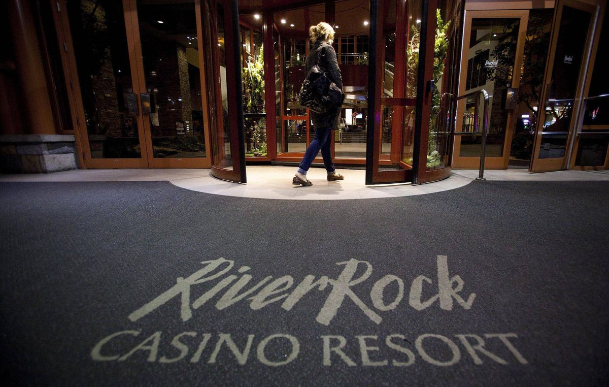 B.C. gaming officials flag unusual betting by 'housewives