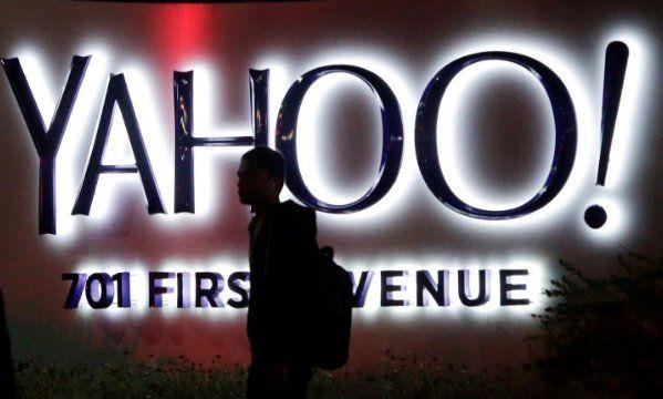 TechCrunch: Senator calls for SEC investigation into Yahoo breach https://t.co/HvmpgKM1lX https://t.co/cCjE4L4iNi