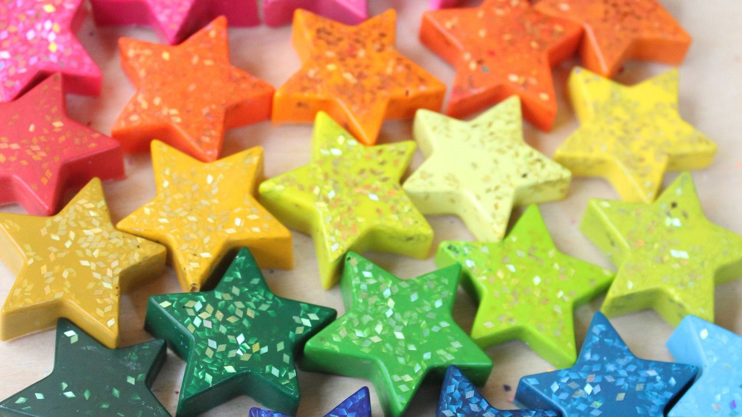 Star shaped glitter crayons crayons box and craft add sparkle and shimmer to your drawings melt down a box of broken crayons into a mold sprinkle in glitter and pop them in the oven to make your own solutioingenieria