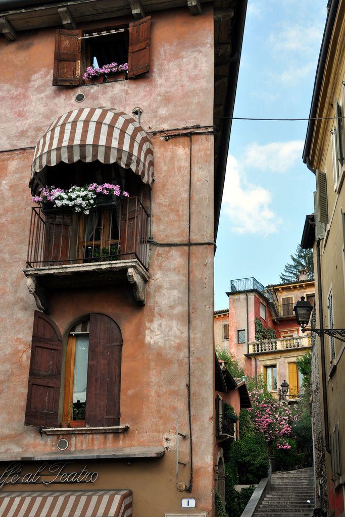 Verona - Via Santo Stefano   View along Via Santo Stefano, looking up Via Madonna del Terraglio.