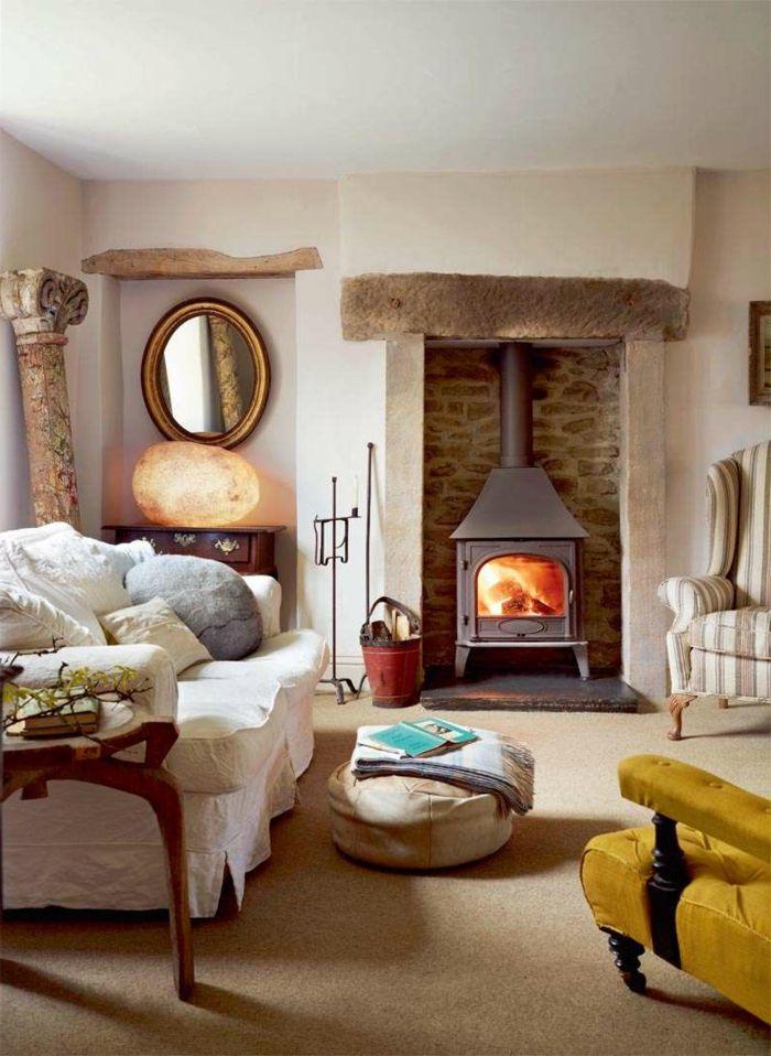 chimeneas modernas, salón rústico con vigas de madera decorativas ...