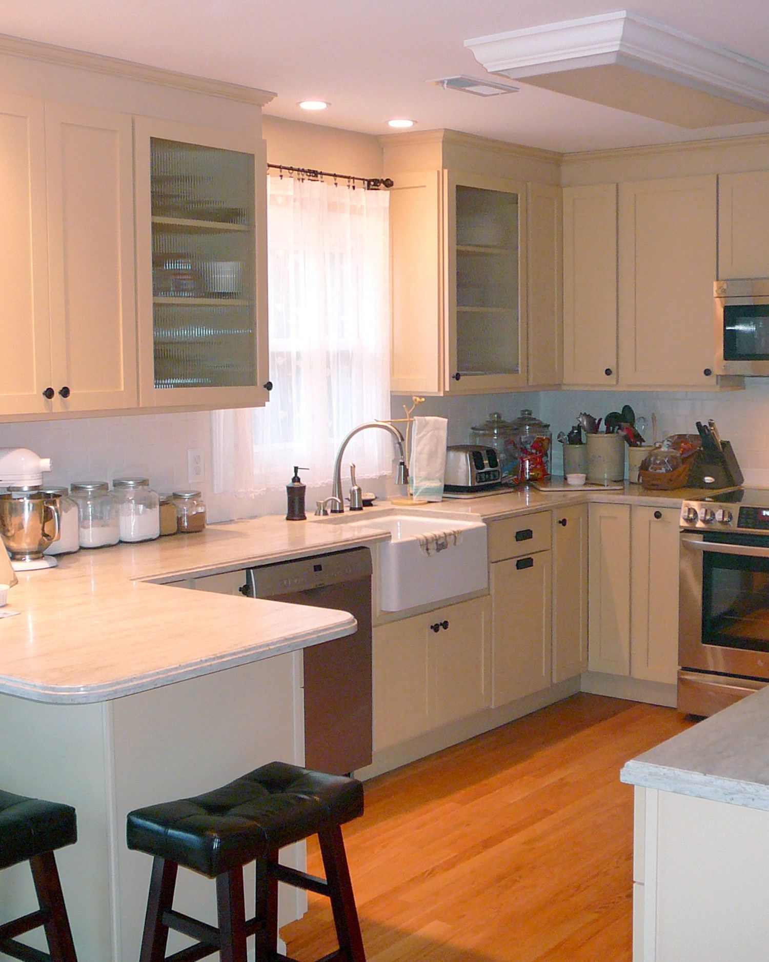 20 Beautiful Functional Kitchens To Inspire Your Own Martha Stewart Living Kitchen Kitchen Design Kitchen Layout