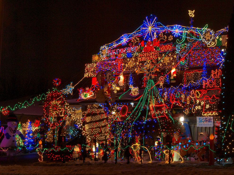 24 Reasons Christmas In Yorkshire Ruins You For Life Christmas Light Displays Best Christmas Lights Christmas Lights