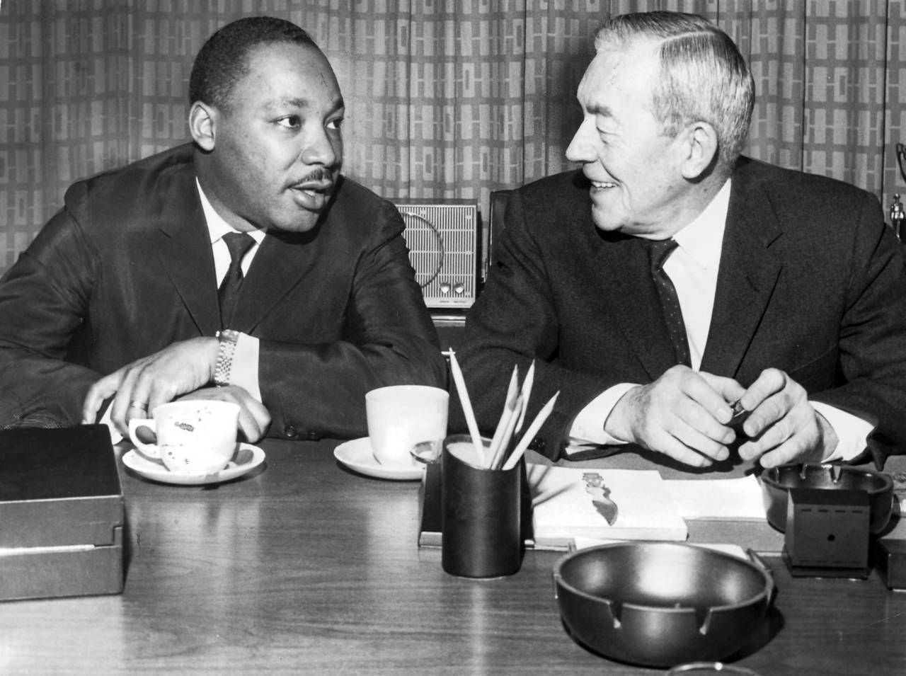 best images about martin luther king jr rip > dr martin luther king jr left has a coffee break chicago
