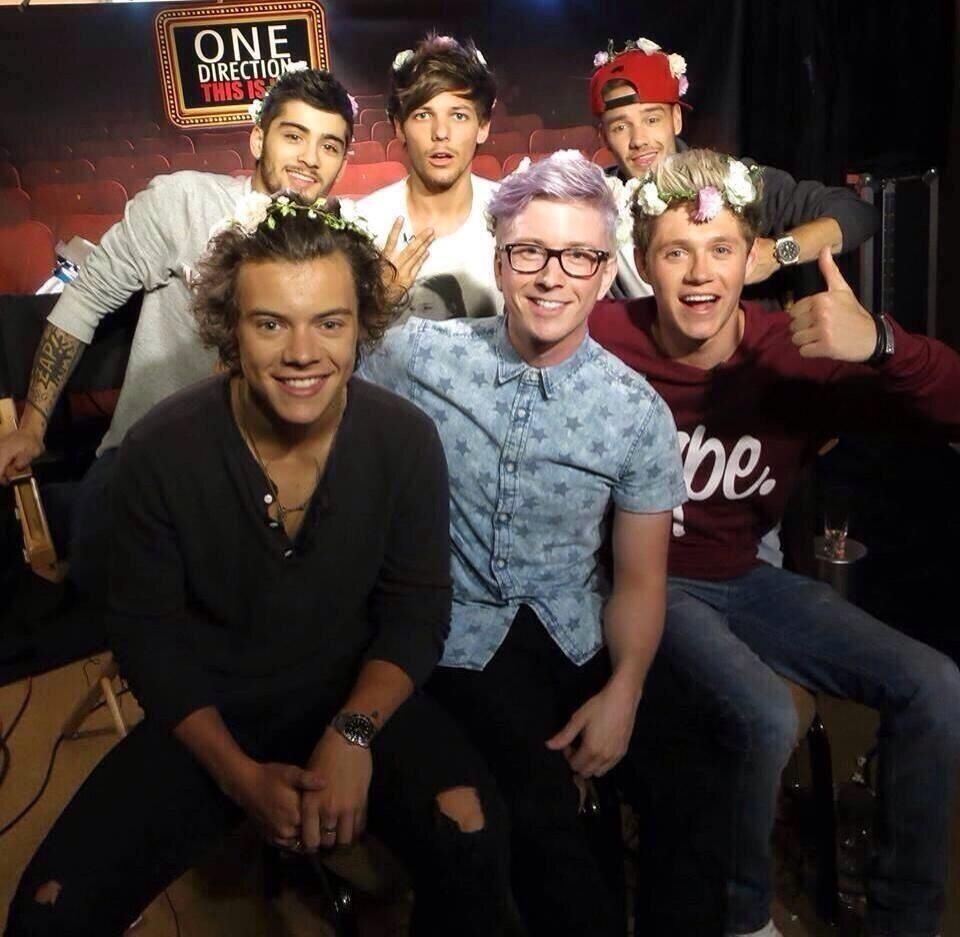 One direction flower crown gallery flower wallpaper hd one direction tyler oakley tyler oakley pinterest tyler and tyler oakley all rocking the flower crowns izmirmasajfo