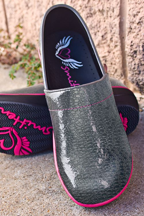 Nursing Shoes Smitten Wildside Graphite Shoe Smitten
