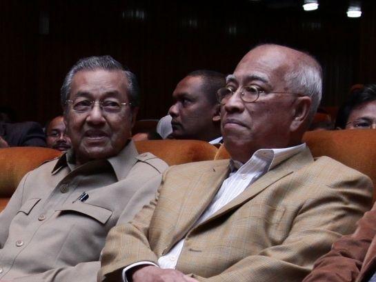 Cara Dr Mahathir Umpama Doktor Merawat Pesakit - Sanusi Junid - http://malaysianreview.com/116890/cara-dr-mahathir-umpama-doktor-merawat-pesakit-sanusi-junid/