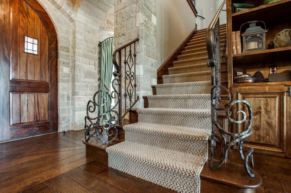 Grand Entrances Photo Gallery | Luxury Homes in Dallas TX