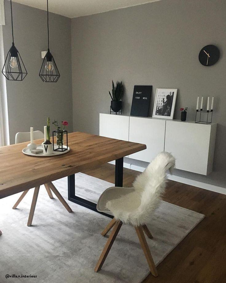 Sala da pranzo in stile scandinavo! Abbina il bianco al legno, ed il grigio al nero per creare il perfetto stile nordico anche nel soggiorno.