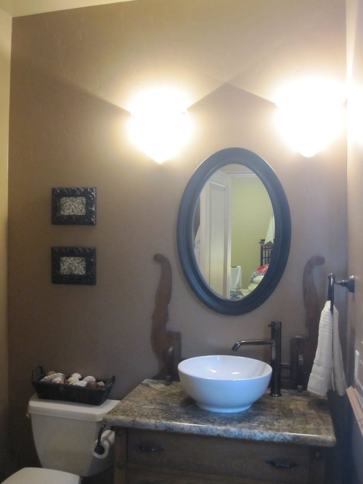 Ordinaire Bathroom Mirrors With Lights Attached