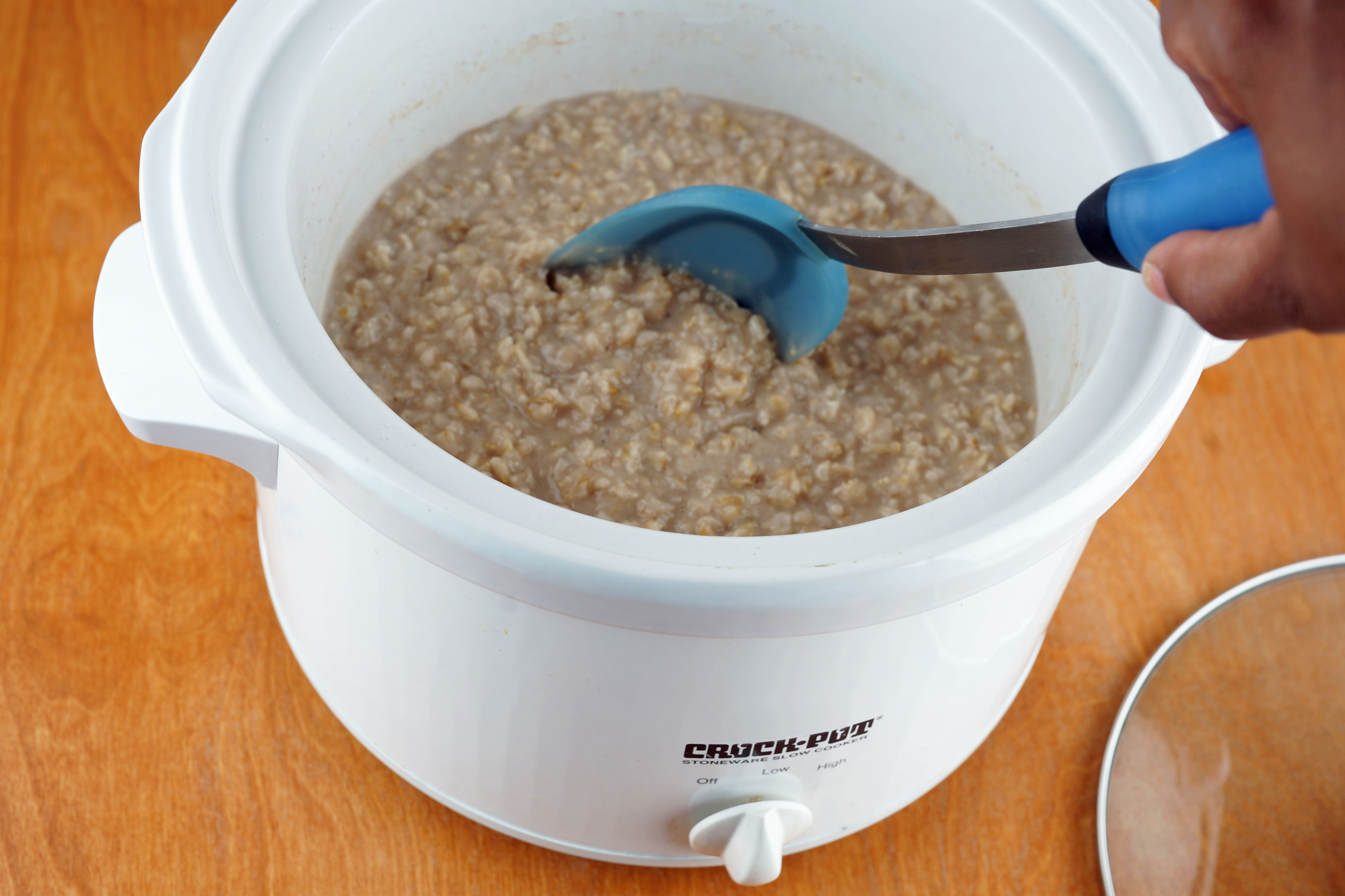 How to cook rolled oats in a crockpot