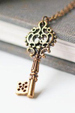 Skeleton key necklace antique gold key pendant victorian gothic skeleton key necklace antique gold key pendant mozeypictures Choice Image