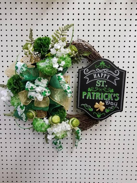 Photo of St. Patrick & # 39; s Day wreath, wine wreath, green wreath, flower wreath, luck of the Irish, green and white wine wreath