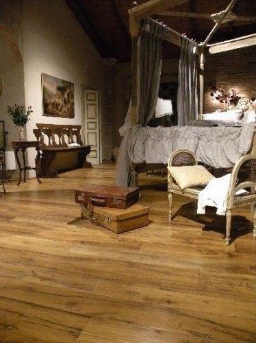 LUXURY BEDROOM with ANTIQUE WOODEN PLANK FLOOR