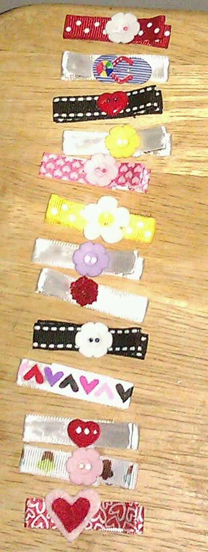 Hair barretts for Isabella! So easy to make! Ribbon, hair clip, and buttons!