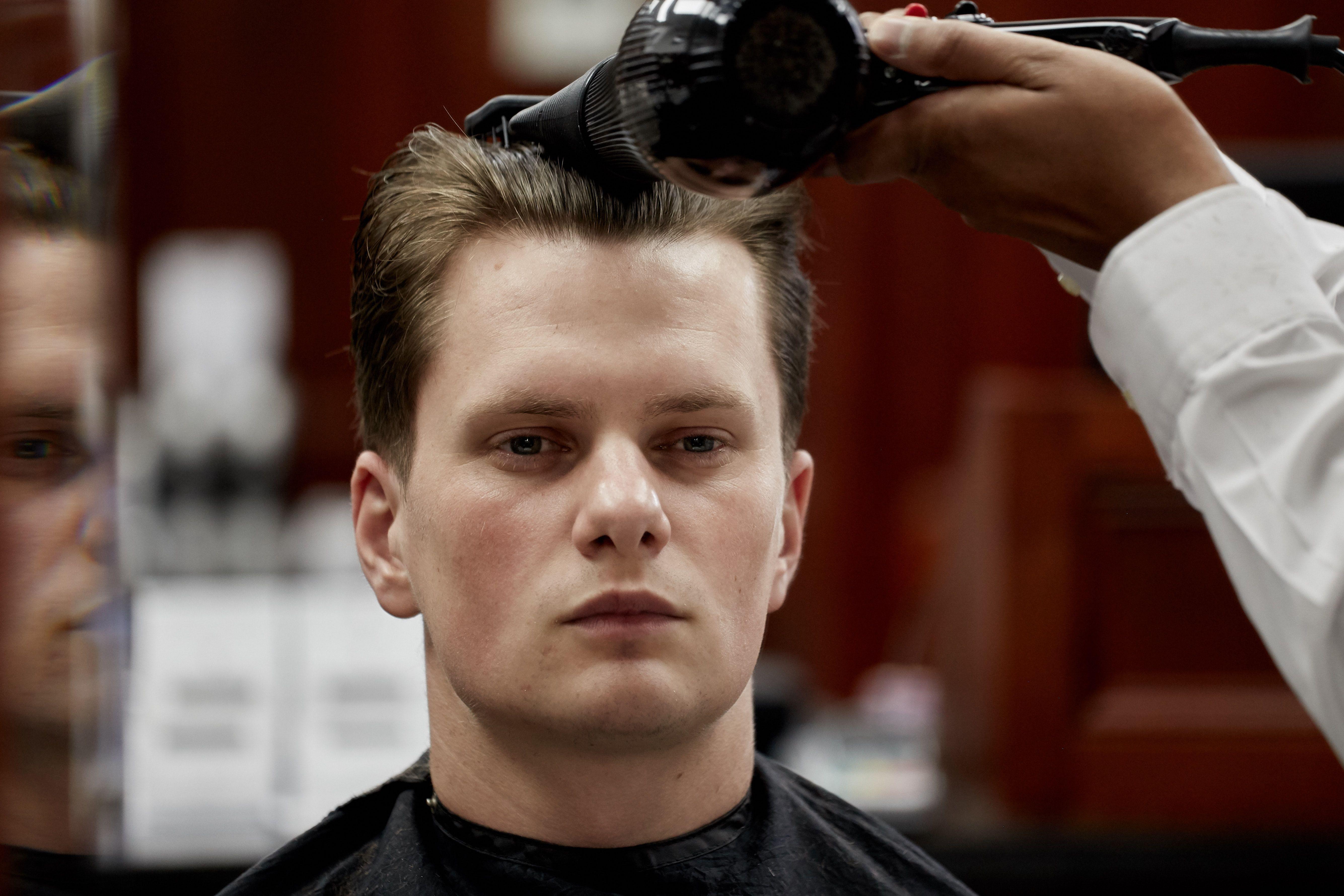 Pall Mall Barbers Fitzrovia Fitzrovia Barbers Fitzrovia Barbers London In 2020 Barber London Best Barber Barber Near Me