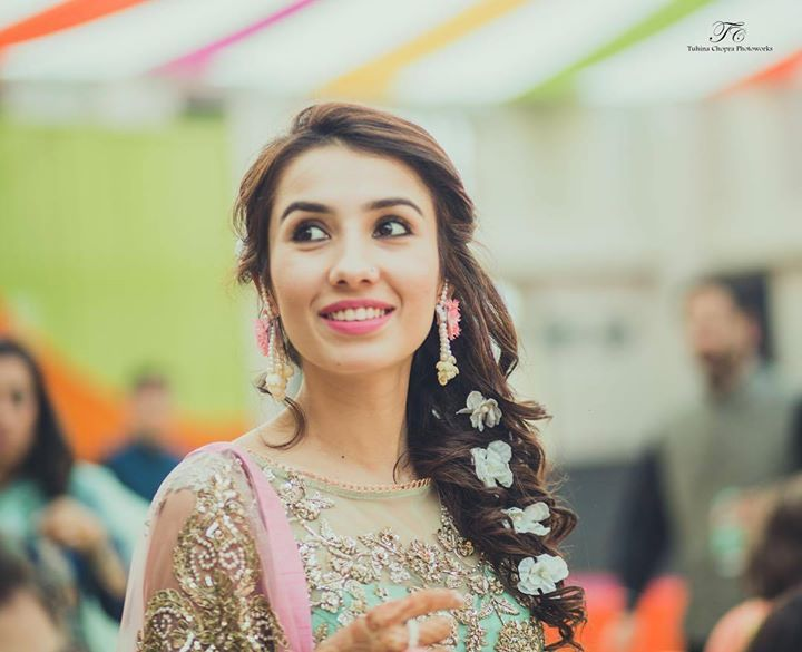 Mehndi Hairstyles For Guests : Pc tuhina chopra photoworks looking for trendy makeup artists