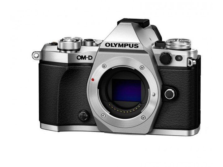 Köp Olympus OM-D E-M5 Mark II kamerahus silver hos Scandinavian Photo i Sverige