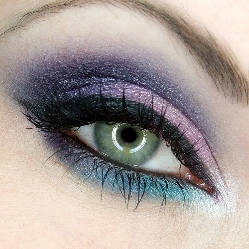 Purples With A Touch Of Turquoise Get The Look Dramatic Eye