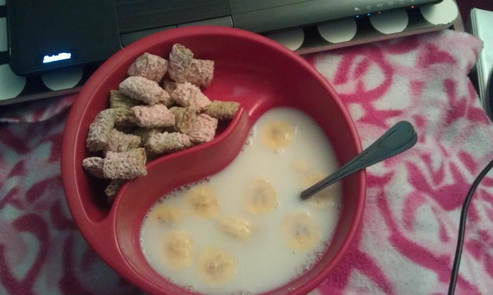 """Never have soggy cereal again!  The """"Bol"""" (with bananas added to the milk section)"""