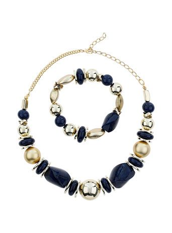 Jewellery set from Dorothy Perkins.