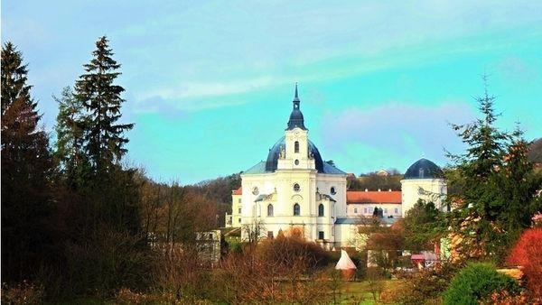 Poutní areál ve Křtinách umí zaujmout mistrovstvím svého stavitele i tajemnou historií– Novinky.cz