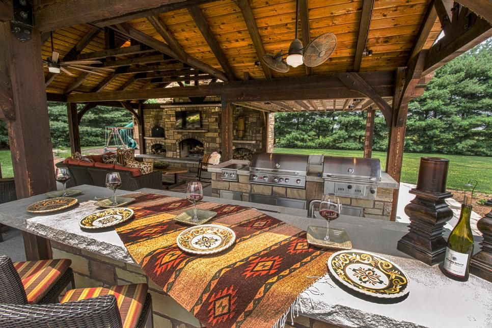 trendige Outdoor- Küche- Ideen Überdach rustikale Elemente Holz ...