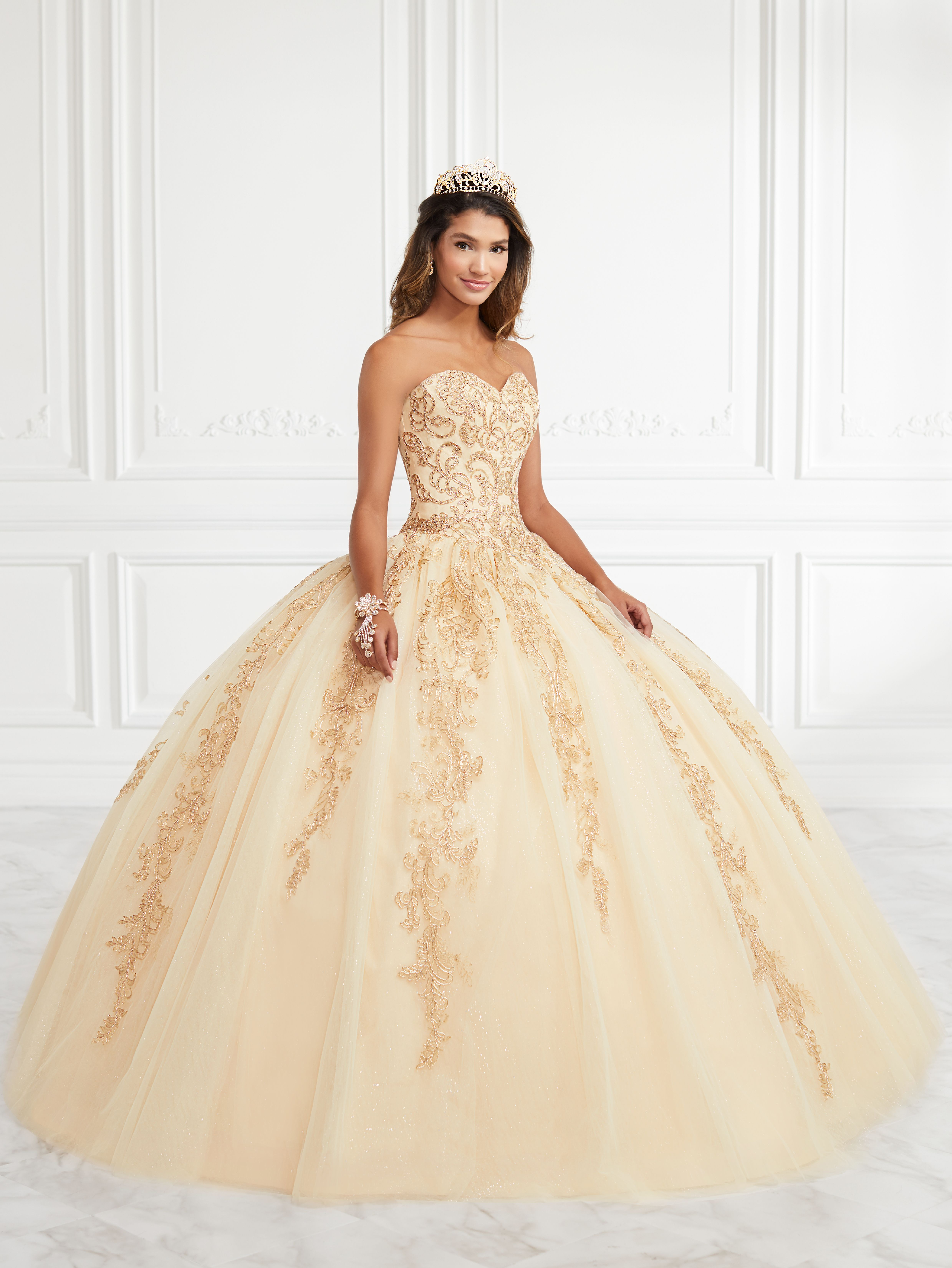Fiesta Gowns   Quinceanera in 2020   Quince dresses ...