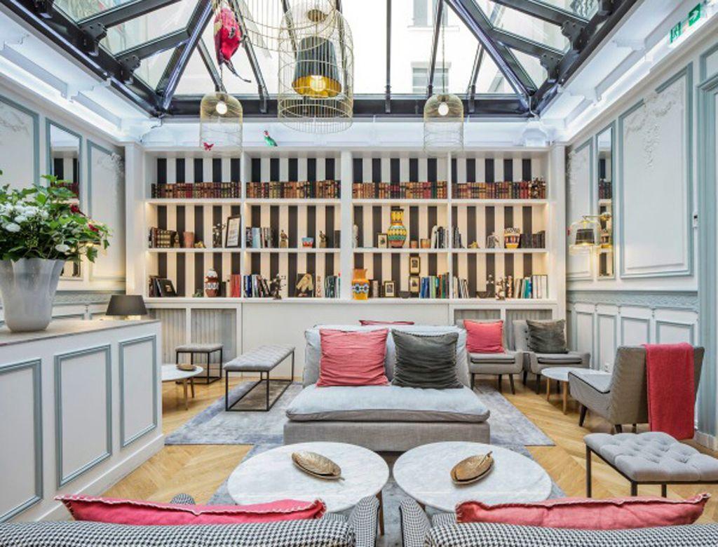 Un salon avec des couleurs flashy par sophie hanniet - Decoration luxe interieur ...