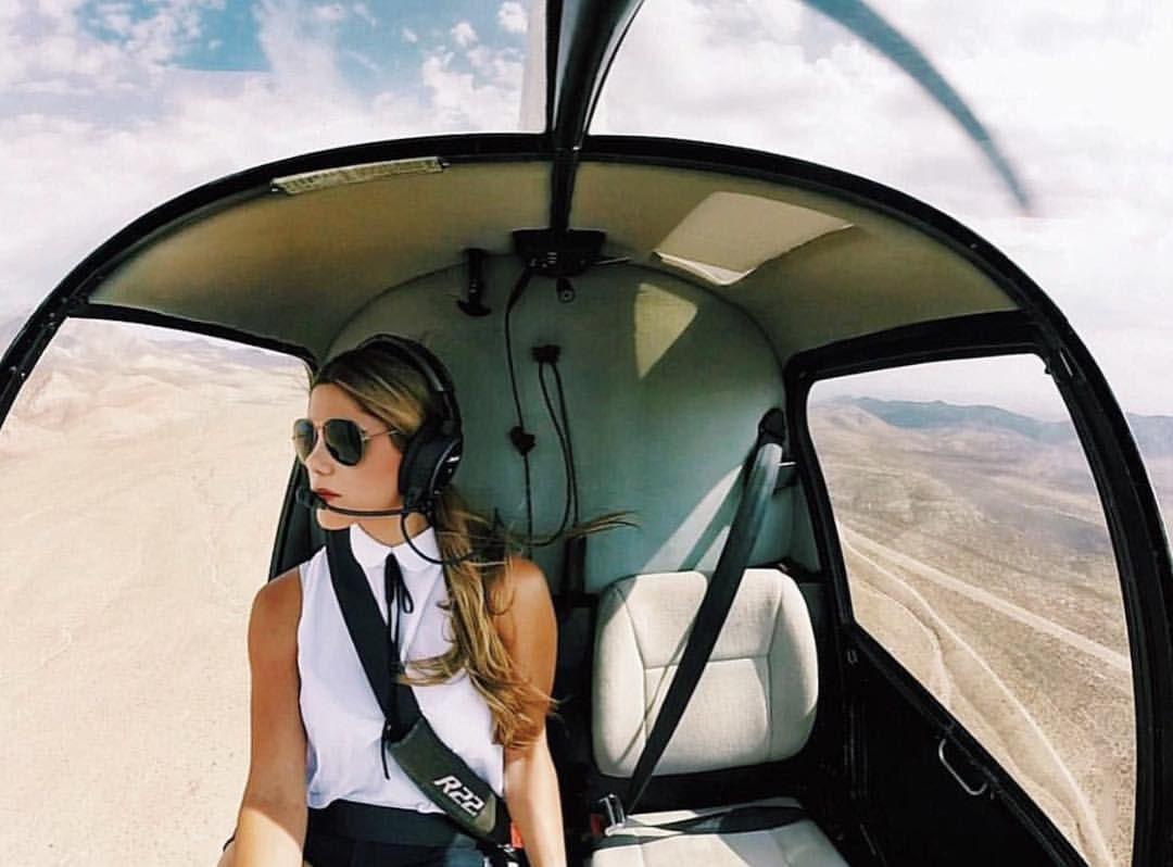 R22 Pilot Luana Helicopter, Pilot lessons, Female pilot
