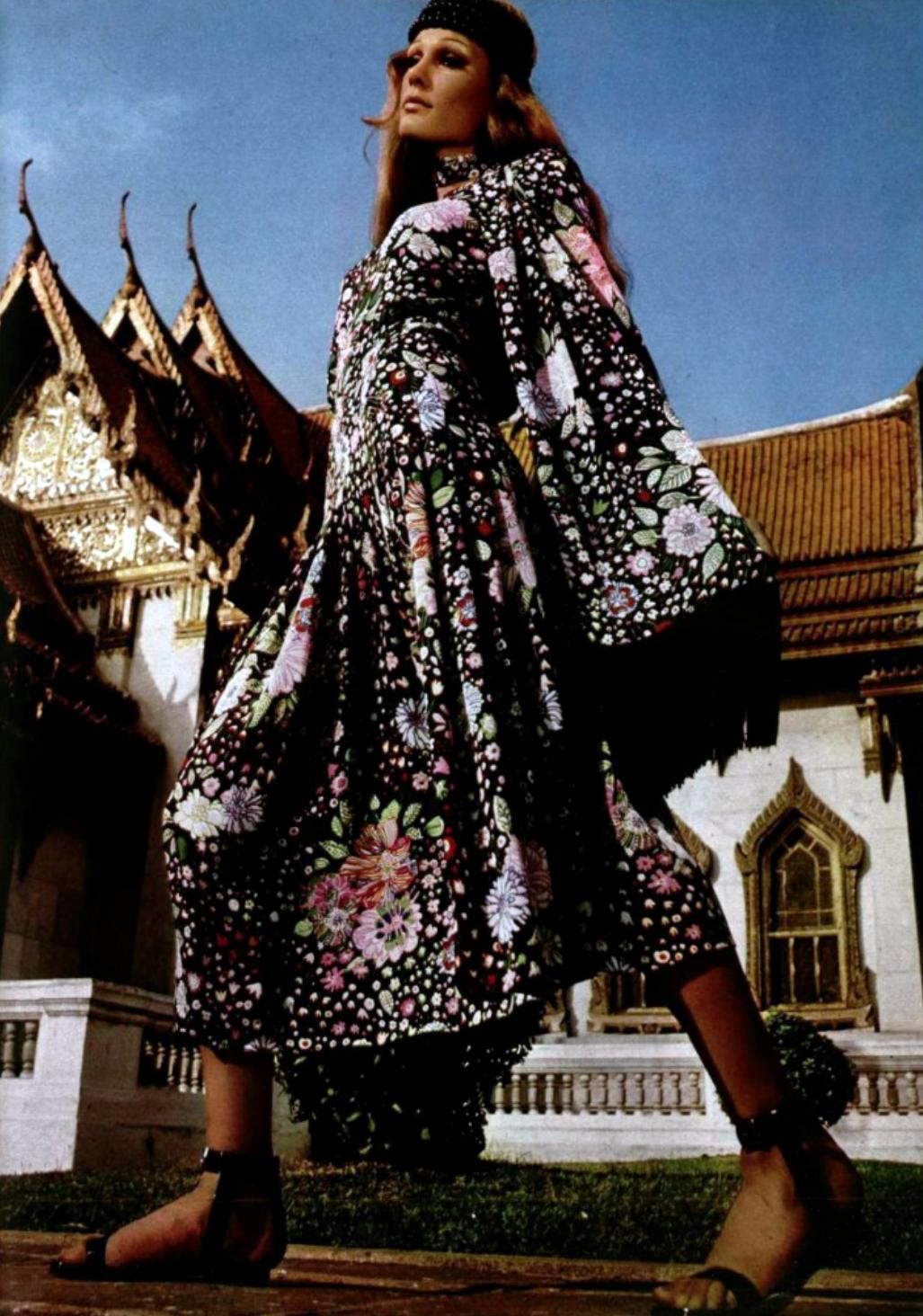 Dior Boutique L\'Officiel magazine 1970s early boho looks black white ...